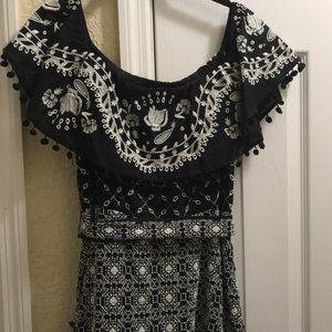 Black & White off-shoulder marisol dress!